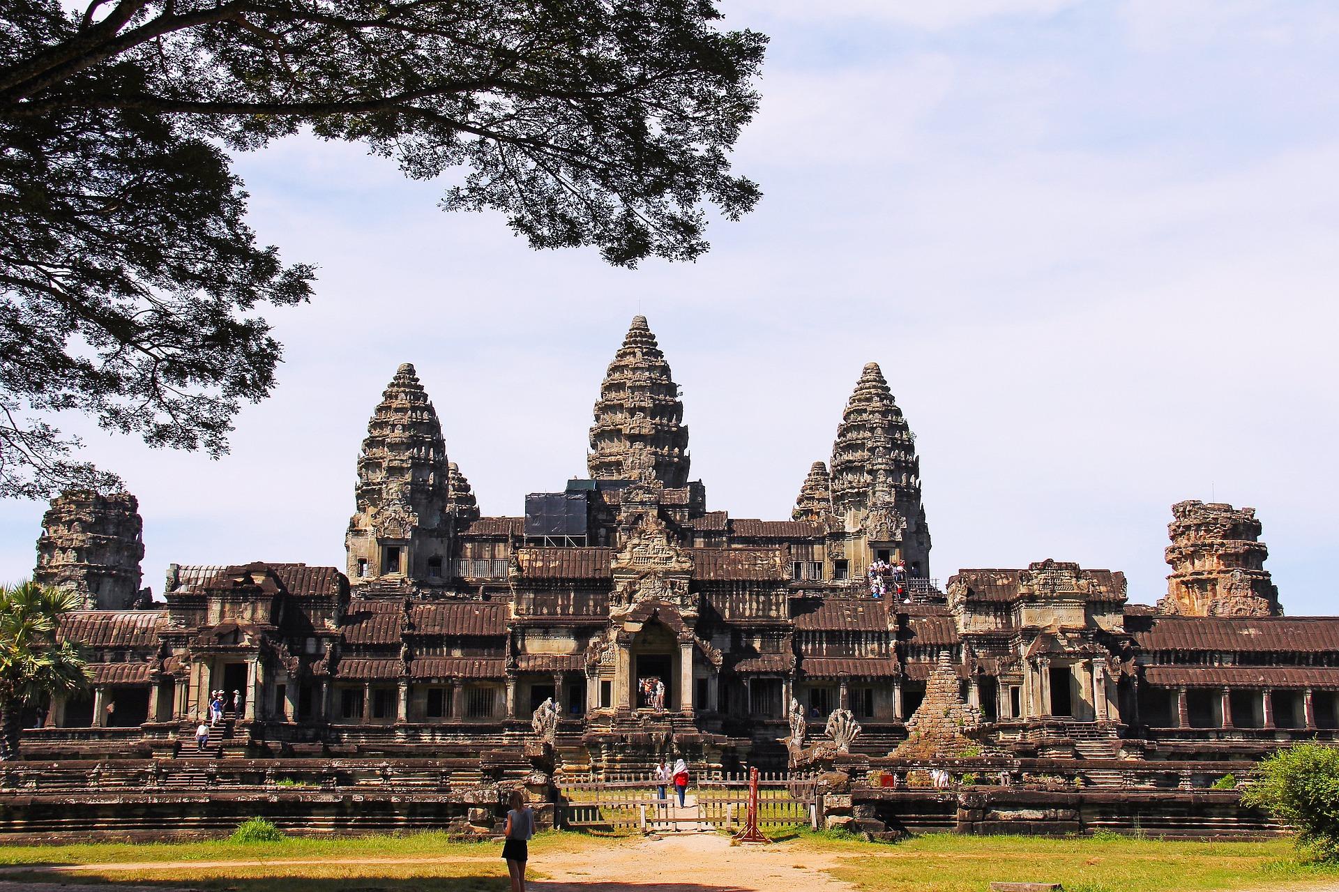 11-15-15 angkor-wat-temple-934094_1920