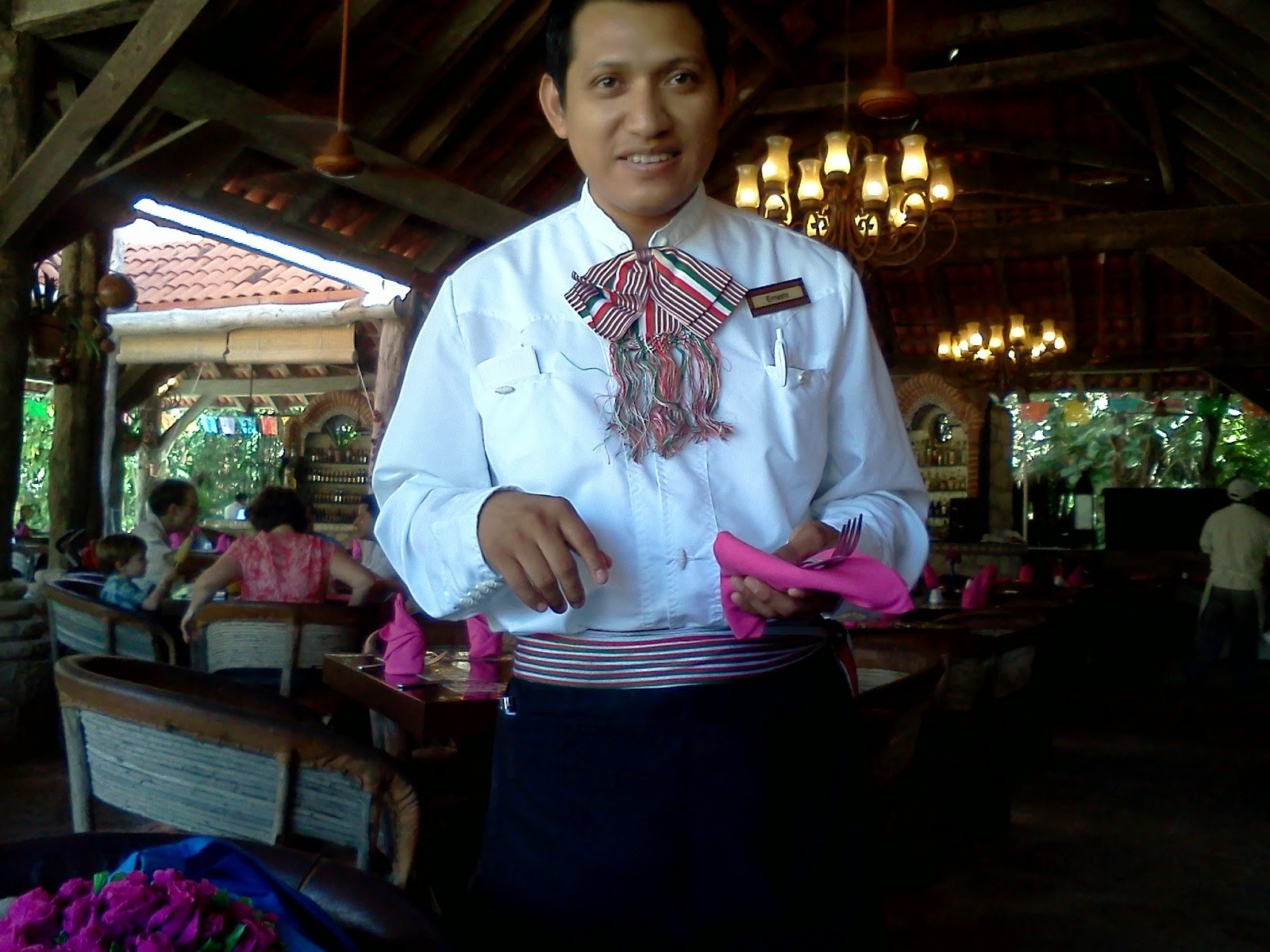 waiter_at_restaurant