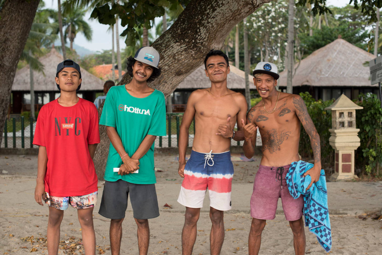 Tailandia chicos posando