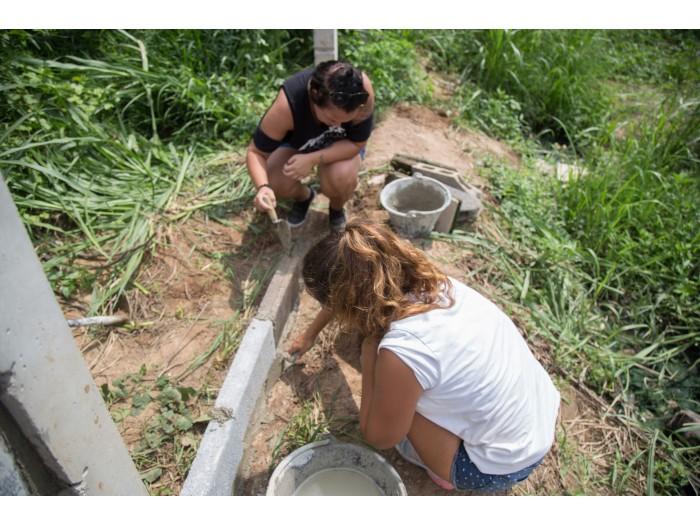 mujeres voluntariado trabajando
