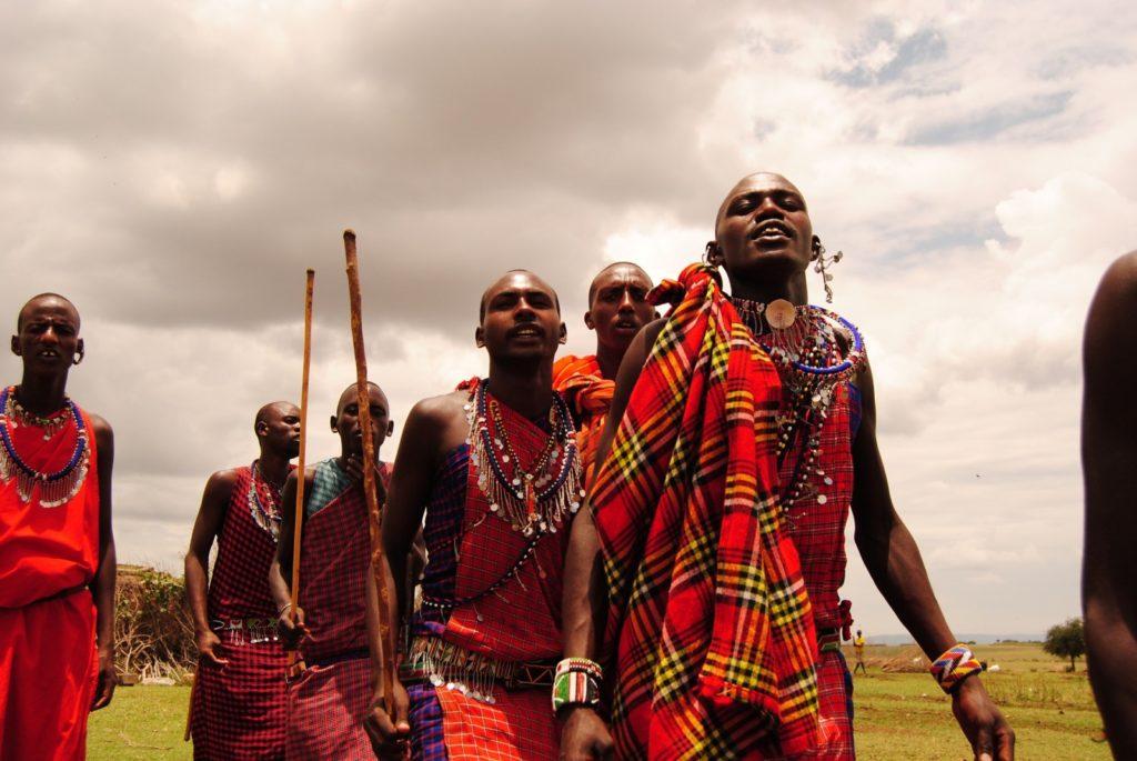 Quieres conocer la cultura y las costumbres de la tribu masái